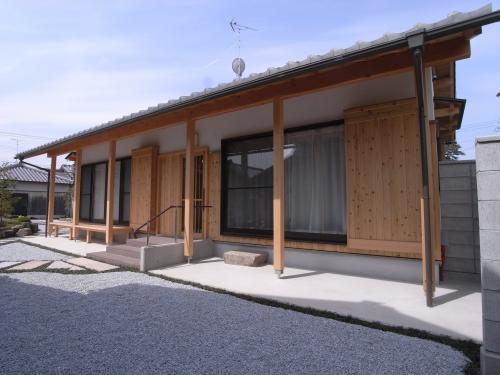 洋室と和室を各一部屋の離れ建築