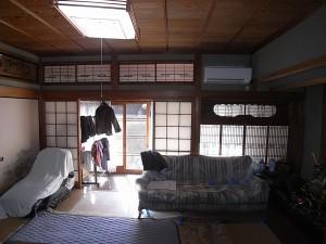 工事前の状況。4間取り和室を一部洋室にリフォーム。合せて耐震補強を行ないます。